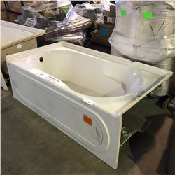 """HYTEC BATHTUB WITH VISIBLE DAMAGE 66""""X36"""""""