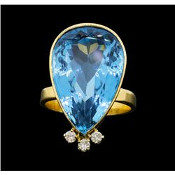 14KT Yellow Gold Ladies 25.00 ctw Blue Topaz and Diamond Ring