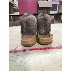 Moccasin Boots Size 7 Or 8 Laurentian Chief (Canada)