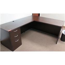Wood 'L' Shaped Desk w/ Drawers