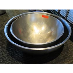 "Qty 2 Stainless Steel Nesting Bowls 22"" & 24"" Diameter"
