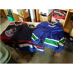 4 Vancouver canucks jersey one with logo