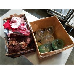 Lot of wool toques, polyester gloves and glass vases