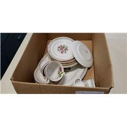 Box of english rosewood staffordshire decorative gold china