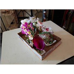 Lot of decorative flower arrange ments