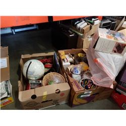 2 boxes of vintage collectables