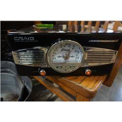 CRAIG CD681 TURNTABLE RADIO