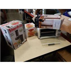 Starfrit spiralizer, popcorn popper, toaster oven and lamp