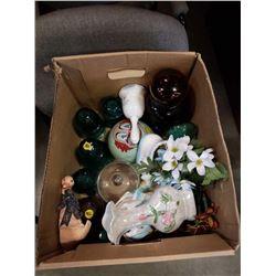 BOX OF ESTATE POTTERIES, GLASS INSULATORS, ETC
