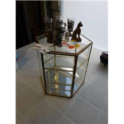 BRASS AND GLASS MINATURE DISPLAY CASE AND MINIATURES
