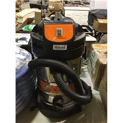 Kubota 8 Gallon Wet/Dry Stainless Steel Vacuum