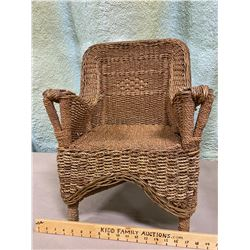 CHILD SIZE WICKER CHAIR IN GOOD CONDITION