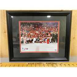 FRAMED CANADIAN OLYMPIC GOLD MEDAL PHOTO