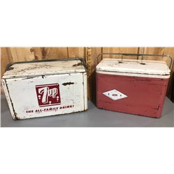 LOT OF 2 PICNIC COOLERS - 7UP & COLEMAN