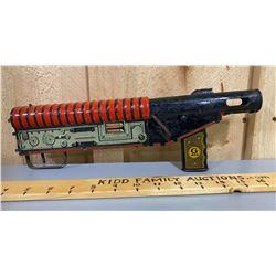 MARX 'G-MAN' TIN & WOOD TOY GUN - SMALLER VERSION OF LOT 124
