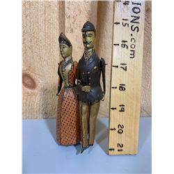 WIND UP TIN TOY - STROLLING COUPLE