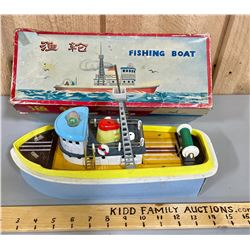 FISHING BOAT - BATTERY POWERED - WORKING
