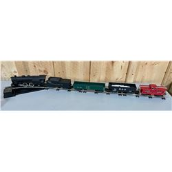 AMERICAN FLYER TRAIN SET WITH LARGE QTY OF TRACK & BUILDINGS