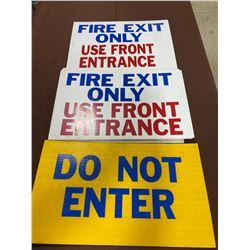LOT OF 4 PLASTIC 'FIRE' SIGNS