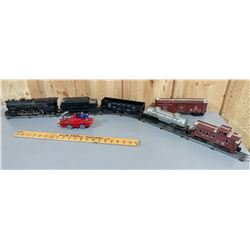 QTY OF TOY TRAIN PARTS & ACCESSORIES - LIONEL & MARX