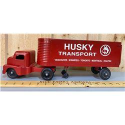 VINTAGE HUSKY TOY TRANSPORT TRUCK