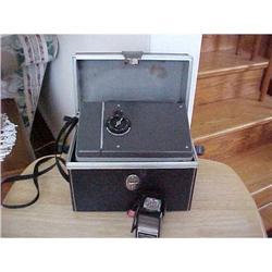 Polaroid Camera No. 440 with focused flash #1251756