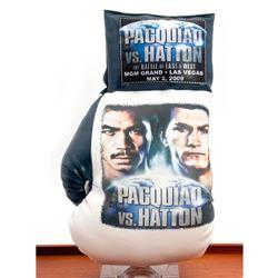 Pacquiao VS. Hatton souvenir boxing glove