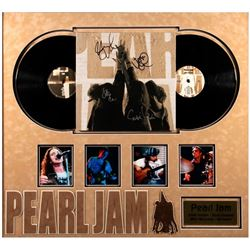 Pearl Jam Band signed album cover
