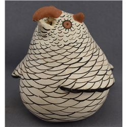 ZUNI INDIAN POTTERY OWL (JENNIE LAATE)