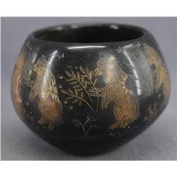 SANTA CLARA INDIAN POTTERY JAR (ROBERT NARANJO )