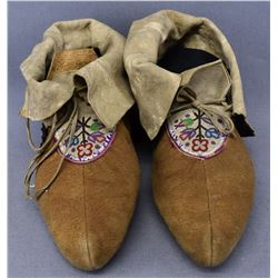 EASTERN WOODLANDS INDIAN MOCCASINS