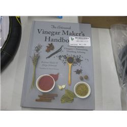 THE ARTISANAL VINEGAR MAKERS HANDBOOK