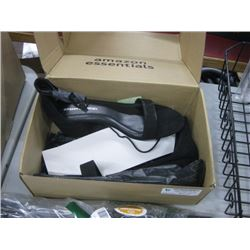 AMAZON ESSENTIALS HIGH HEELS SIZE 9.5