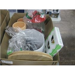 BOX OF ASSORTED HOUSEHOLD ITEMS