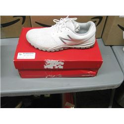 NEW BALANCE WOMENS RUNNERS SIZE 7.5 USED