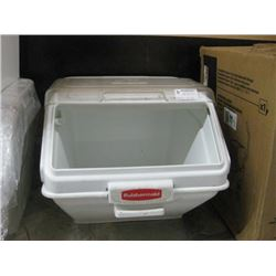 LARGE COUNTERTOP RUBBERMAID BIN