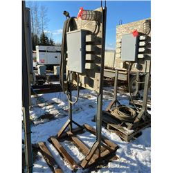 FT.MAC: TEMPORARY POWER PANEL C/W 10 120 VOLT, 15