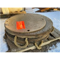 """FT.MAC: LOT OF TWO 40"""" CRANE OUTRIGGER PADS"""
