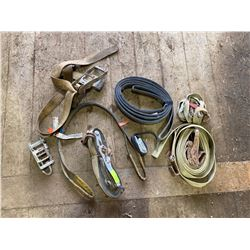 FT.MAC: LOT OF ASSORTED RATCHET STRAPS, SLINGS &