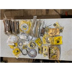 FT.MAC: LOT OF ASSORTED JOHN DEERE GASKETS, SHIMS,