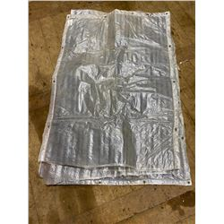 FT.MAC: LOT OF 3 INSULATED TARPS 4FT X 8FT