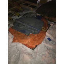 FT.MAC: LOT OF 5 ASSORTED INSULATED  AND NON-