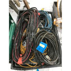 FT.MAC: ASSORTED ELECTRICAL EXTENSION CORDS