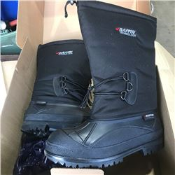 SH. PARK: PAIR OF BAFFIN VANGUARD SIZE 13 WINTER