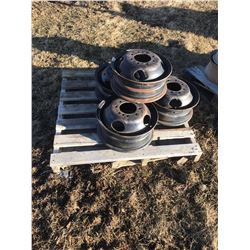 STURG.CNTY: LOT OF 4 - 1 TON TRUCK RIMS