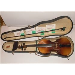 50 yearsold + - with very old sticker inside 'Copy of Stradivarius Made in West Germany' - violon