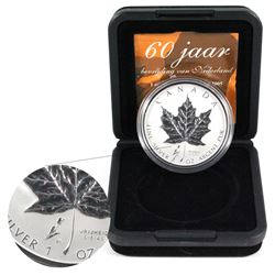 2005 Canada 1oz Tulip Privy .9999 Fine Silver Maple Leaf in Original Black Box with Sleeve and COA.