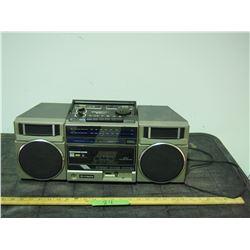 Hitachi Radio and Tape Player