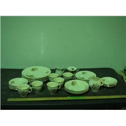 Royal Swan Chinaware Set (39 Pieces)