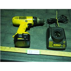 Dewalt 12V 3/8 Drill Battery and Charger